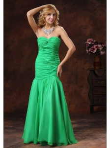 2013 Green Mermaid Sweetheart Prom Dress With Ruch Floor-length