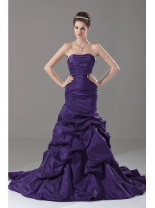 Romantic Mermaid / Trumpet Ruched Strapless Taffeta Elegant Prom Dress Court Train