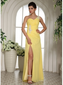 Stylish Light Yellow One Shoulder High Slit Prom Dress With Appliques and Ruch