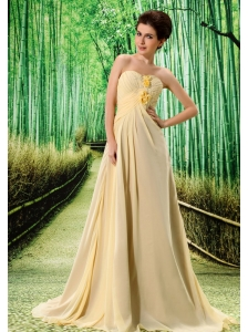 Light Yellow Stylish Prom Dress Hand Made Flower and Ruch In Graduation