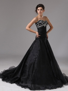 Sweetheart Black Organza Prom Dress With Brush Train Beaded Decorate