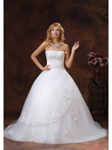Appliques and Beading Decorate Bodice Ball Gown Wedding Dress For 2013 Strapless Chapel Train