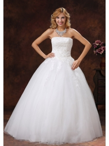 Appliques Decorate Bodice A-line 2013 Wedding Dress Floor-length Strapless