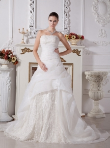 Custom Made A-line Lace 2013 Wedding Gowns With Organza