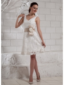 Hand Made Flowers Belt Lace V-neck Knee-length Short Wedding Dress