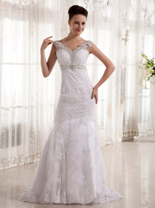 2013 Column V-neck Beading and Lace Wedding Dress With Satin