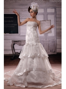 2013 Custom Made Ruffled Layers Appliques With Beading Wedding Dress Chapel Train