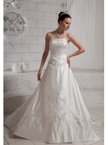 2013 Embroidery With Beading Wedding Dress With Court Train For Custom Made