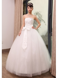 Beading and Bowknot Decorate Bodice Strapless Tulle Floor-length 2013 Wedding Dress