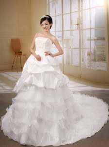 Ruffled Layers Decorate Strapless Princess Organza and Taffeta White Wedding Dress