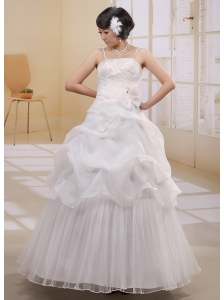 Spaghetti Straps Pick-ups Appliques 2013 Wedding Gowns With Bows Organza
