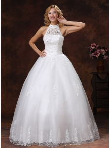 2013 Luxurious Halter Appliques With Beading For Ball Gown Wedding Dress