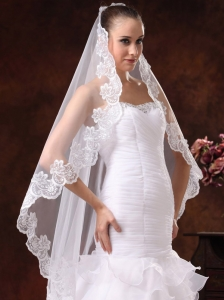 Lace Appliques Tulle Graceful Wedding Veils