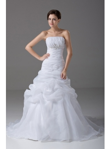 Mermaid Strapless Organza Court Train Beading Fashionable Wedding Dress
