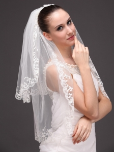 Lace Appliques Two-tier Tulle Graceful Wedding Veil