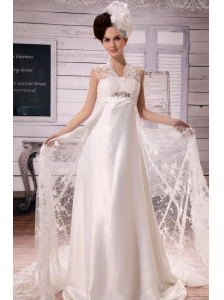 Luxurious Clasp Handle Lace Wedding Dress With Chapel Train Applqiues With Beading
