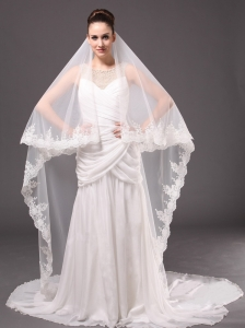 Romantic One-tier Wedding Veils With Lace Applique Edge