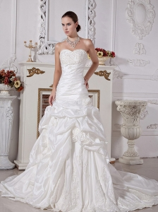 Sweetheart A-line Wedding Dress Hand Made Flowers Taffeta