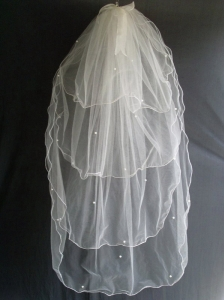 Beading Four Layers Tulle Fashionable Wedding Veils