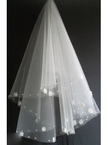Hand Made Flowers Decorate Tulle Beautiful Wedding Veils
