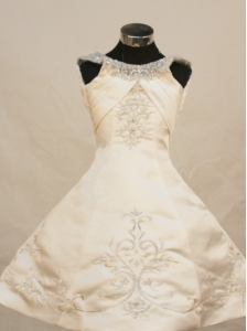 Pretty Princess Scoop Neckline With Ivory Embroidery Decorate On Satin Flower Girl Pageant Dress