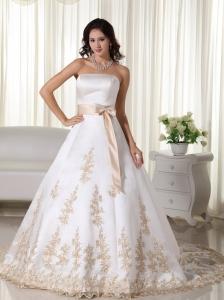Elegant A-line Strapless Court Train Satin Appliques Quinceanera Dress