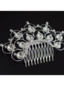 Luxurious Tiara With Delicate Rhinestones Adorned