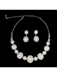 Luxurious Pearl Ladies' Jewelry Set Including Necklace And Earrings