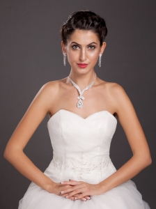 Shining Alloy With Crystal Jewelry Set Including Necklace And Earrings