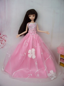 Fashionable Embroidery Pink Princess Quinceanera Doll Dress