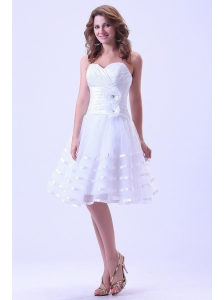 Sweetheart Short Prom Dress With Ruched and Hand Made Flower Knee-length