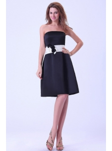 Black Bridemaid Dress With White Belt Hand Made Flower Knee-length