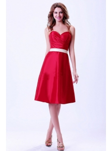 Wine Red Sweetheart Bridemaid Dress With White Belt Knee-length Taffeta