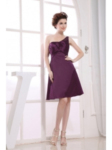 One Shoulder Neckline Purple Knee-length Bridesmaid Dress