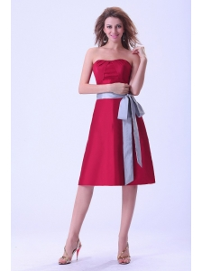 Wine Red Bridemaid Dress With Sash Knee-length Strapless Taffeta