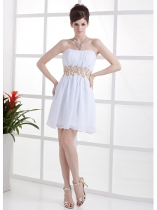 Beading and Ruching Decorate Bodice Mini-length White Chiffon 2013 Prom Dress