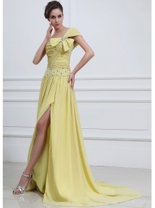 Light Yellow  Prom / Evening Dress With One Shoulder Beaded High Slit Chiffon Brush Train