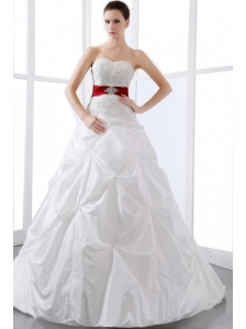 2013 Elegant Wedding Dress With Sweetheart Appliques and Pick-ups Chapel Train