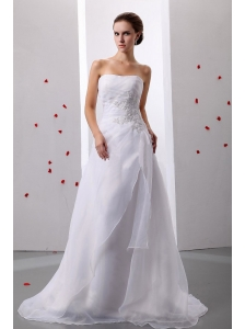 Appliques A-Line / Princess Organza Strapless Brush / Sweep Train Wedding Dress