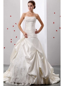Fashionable A-line Strapless Applqiues and Ruch Wedding Gowns With Lace and Taffeta In 2013