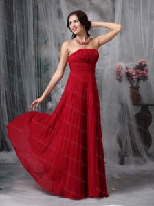 Cheap Wine Red Strapless Chiffon Ruch Long Dama Dress