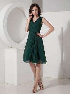 Green A-Line / Princess V-neck Ruched Short Dama Dresses for Quinceanera