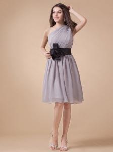 One Shoulder Ruch Belt Short Dama Dress On Sale