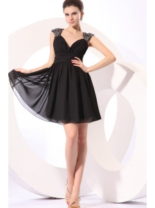 Black Straps Beaded Short Prom Dress with Mini-length