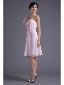 Lovely Pink Empire Strapless Knee-length Chiffon Ruching Prom Dress