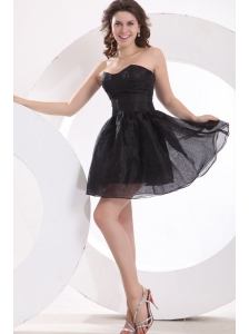 A-line Strapless Black Organza Knee-length Prom Dress