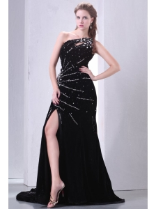 Beading and Rhinestone One Shoulder Black Column Prom Dress