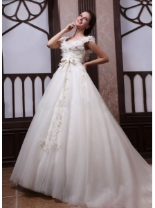 Ball Gown Scoop Appliques Tulle Wedding Dress with Chapel Train
