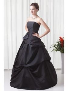 Strapless A-line Black Taffeta Ruche Decorate Quinceanera Dress