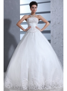 Ball Gown Strapless Lace Appliques Wedding Dress with Chapel Train